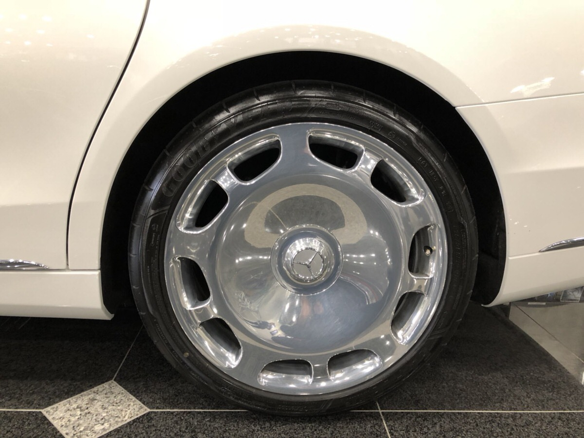 Mercedes-Maybach専用20インチアルミホイール